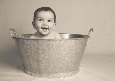 bebé en barreño